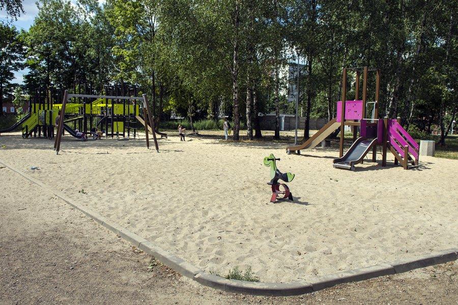Plac zabaw przy ul. Kochanowskiego (Szynol)