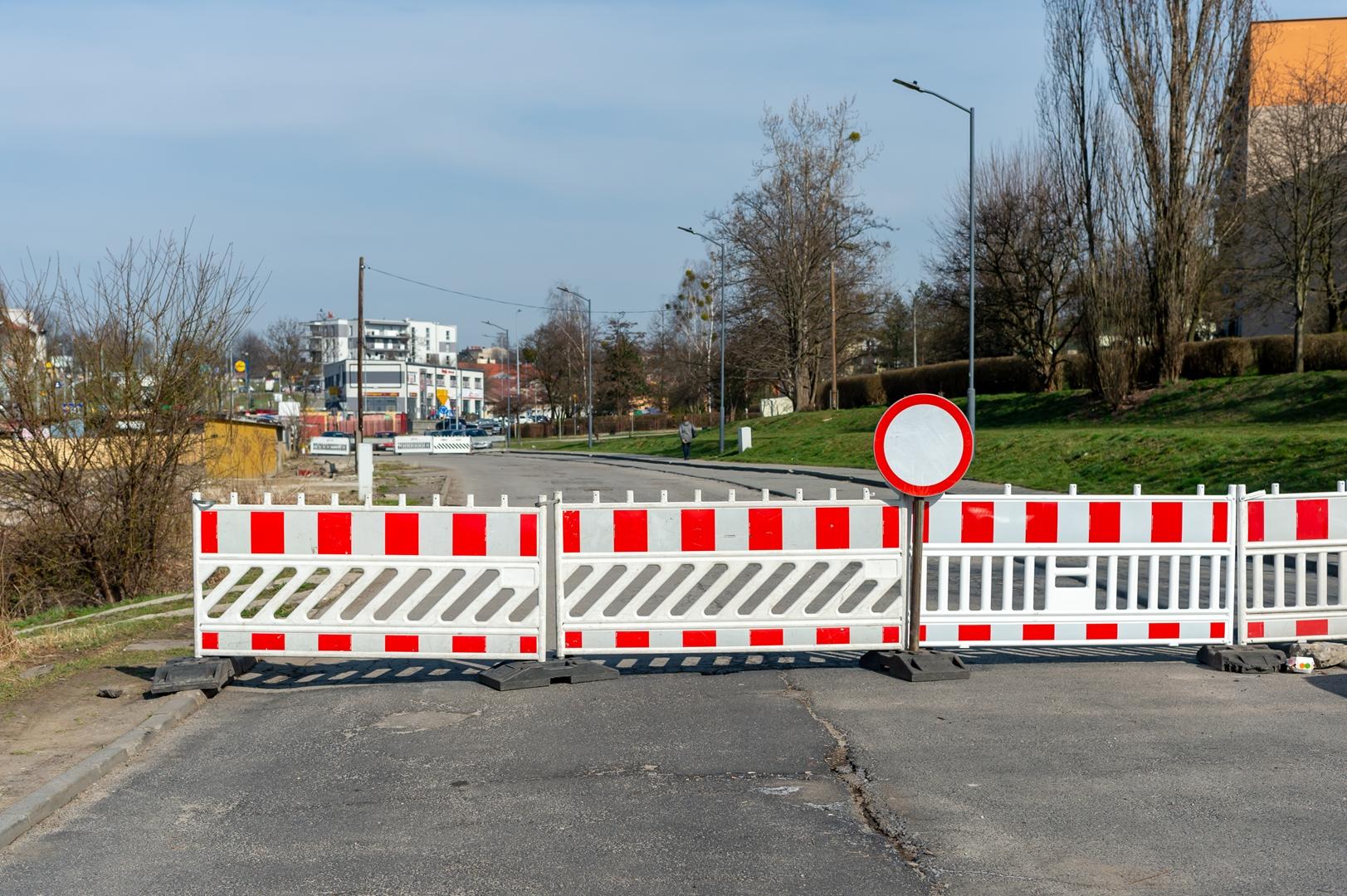 2021 rok pod znakiem inwestycji drogowych - przebudowa ul. Strzelców Bytomskich II od mini ronda do ul. Szymały /obok dawnego targowiska Cider Centrum/
