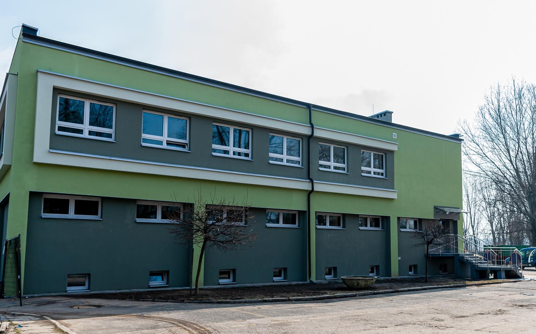 Do końca wakacji budynek klubowy Szombierek Bytom zostanie w całości zmodernizowany - część obiektu już przeszła gruntowny remont