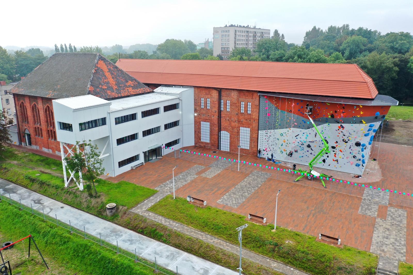 Rozgrzewka przed wielkim otwarciem - Centrum Sportów Wspinaczkowych i Siłowych w Bytomiu udostępnia strefę zewnętrzną
